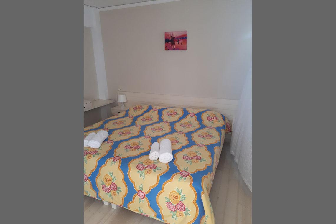 1-bedroom-garden-view-2