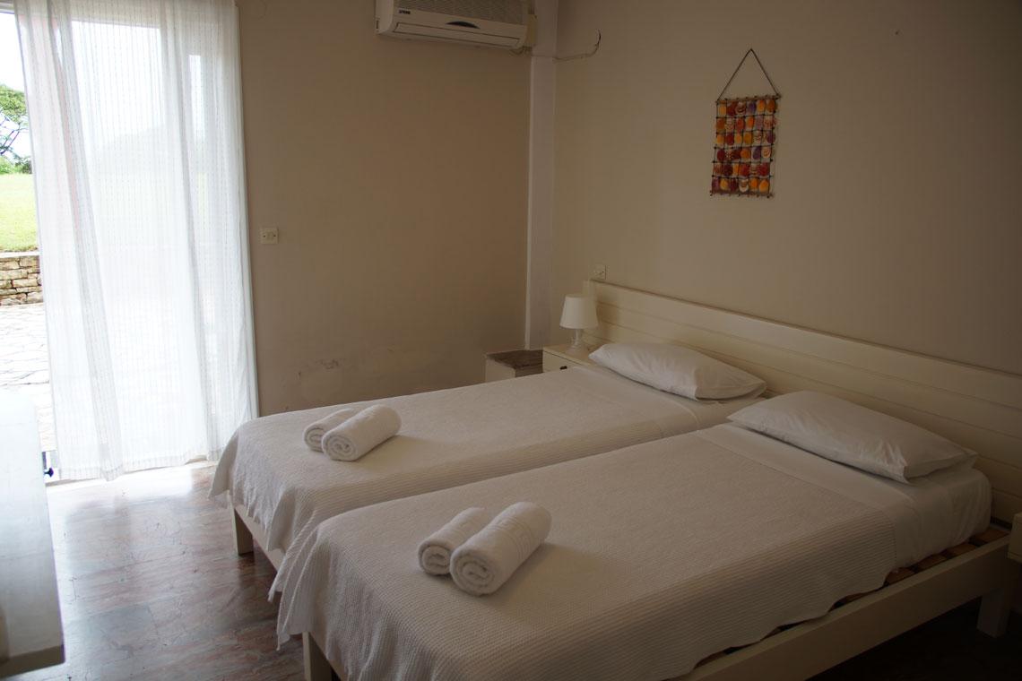 1-bedroom-garden-view-4